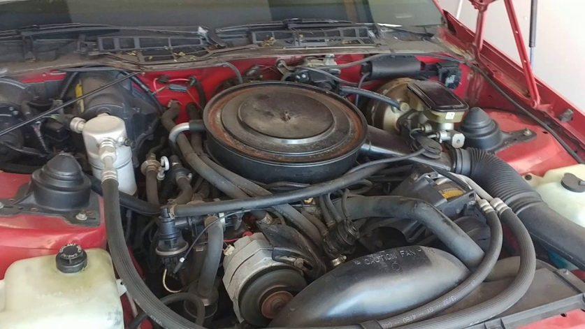 Двигатель Chevrolet Camaro Z28 1983 года