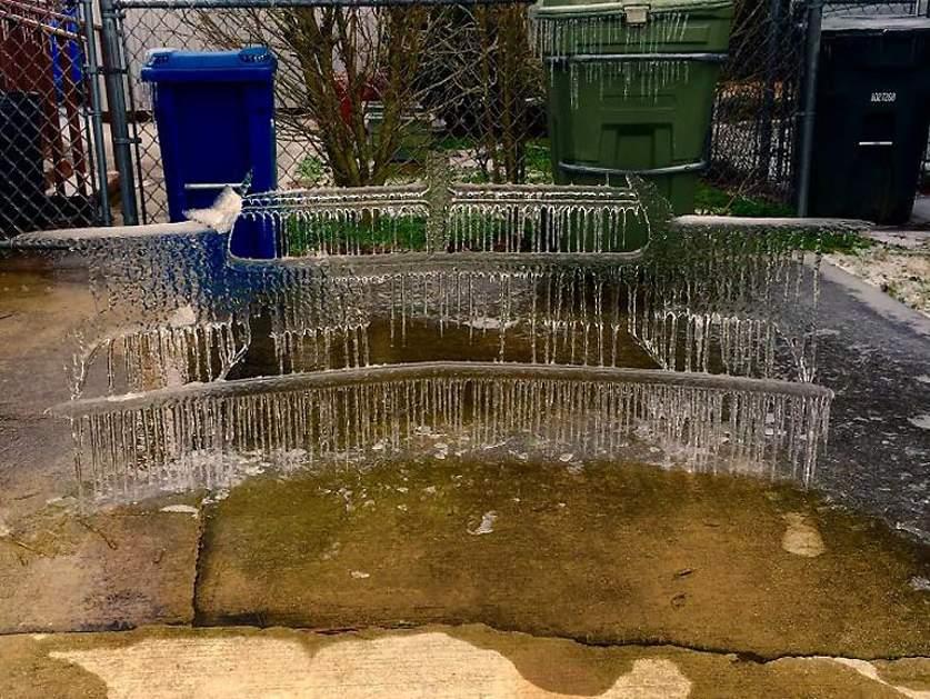 Ледяной тарфарет от бампера