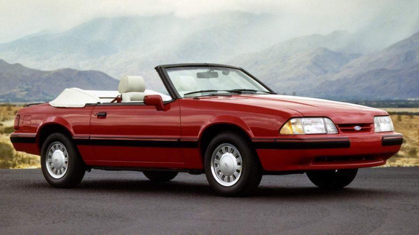 Кабриолет Ford Mustang 3 (1979-1993)