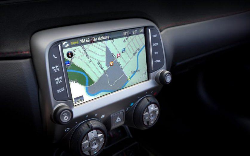 Сенсорный экран и навигация Chevy Camaro 2013 года